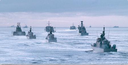 Submarine combat team trainner
